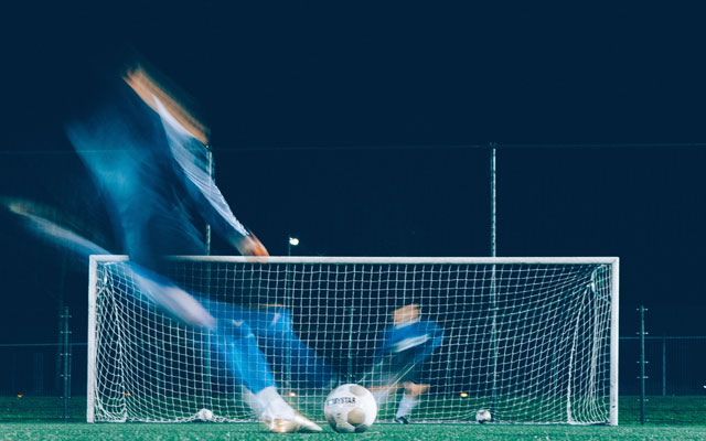 ブックメーカーにおけるサッカーのオーバー攻略法